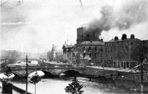 photo of the bombardment of Four Courts, June 1922